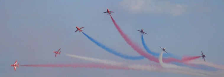 red-arrows-eastbourne-airbourne